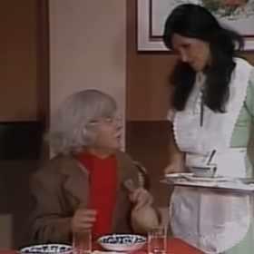 Dr. Chapatin: Há 10 anos era exibido pela primeira vez o esquete Tem uma mosca no meu café