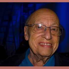 Faleceu o autor da música de abertura original da série Chaves