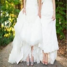Primeiro casamento de 3 mulheres é oficiado no Brasil
