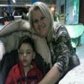 Uma etapa vencida, diz uma mãe de menino que precisa de canabidiol